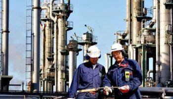 trabalhadores-na-plataforma-de-petroleo-aplicacao-de-cromo-duro