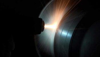 cilindro recebendo metalização industrial