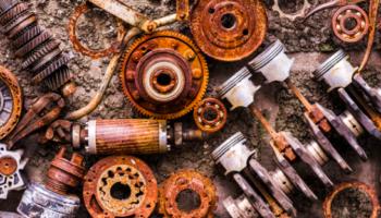 componentes industriais ilustrando o que é oxidação, corrosão e ferrugem